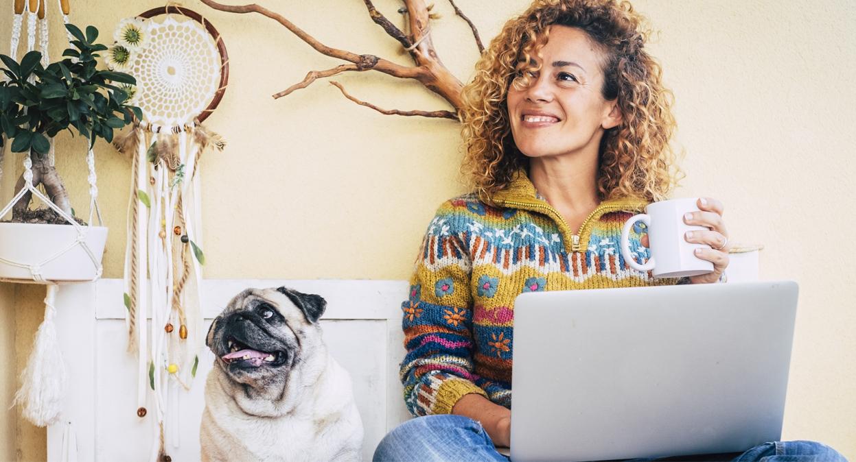 ¿Cansado de estar horas sentado frente a la computadora? 3 tips para mejorar tu salud en tiempos de home office